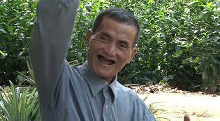 Hoàng Hữu Phước - Yêu Đất để Đất yêu Cây